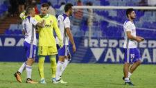 Cristian �lvarez se abraza a Pombo al finalizar un partido en casa.
