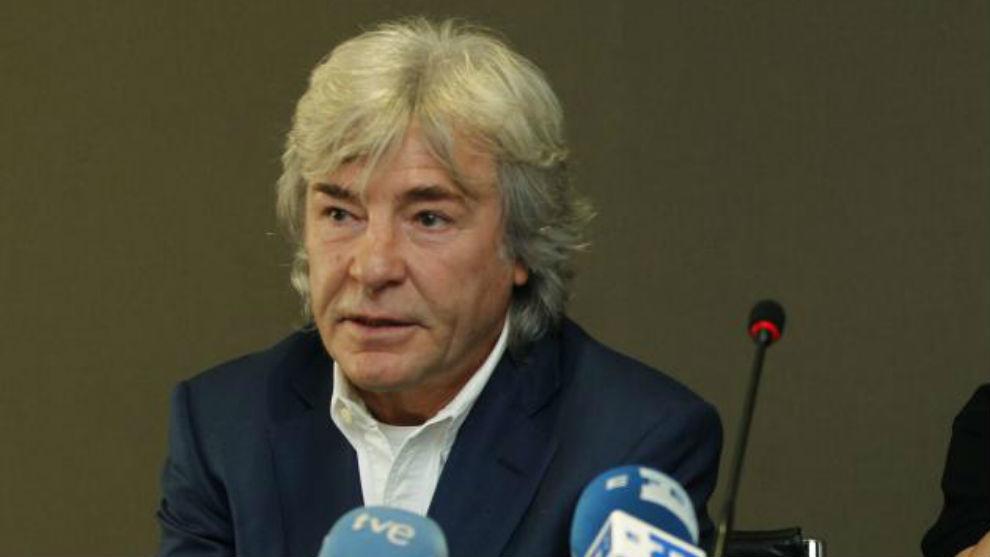 Ángel Nieto, durante una rueda de prensa