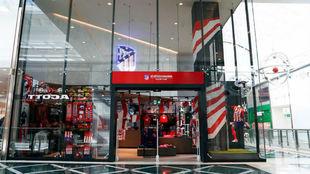 La nueva tienda rojiblanca en Madrid Río