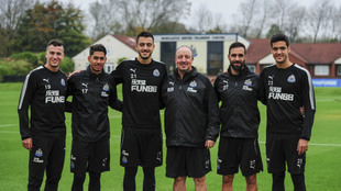 Rafa Benítez y sus cinco españoles: Manquillo, Ayoze Pérez, Joselu,...