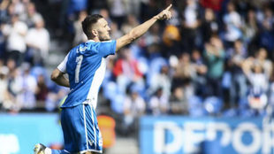 Lucas Pérez celebra un gol ante el Getafe