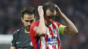 Godín, con el brazalete del Atlético