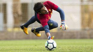 Barbosa se estira durante un entrenamiento del Villarreal.