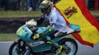 Joan Mir tras ganar el título de Moto3