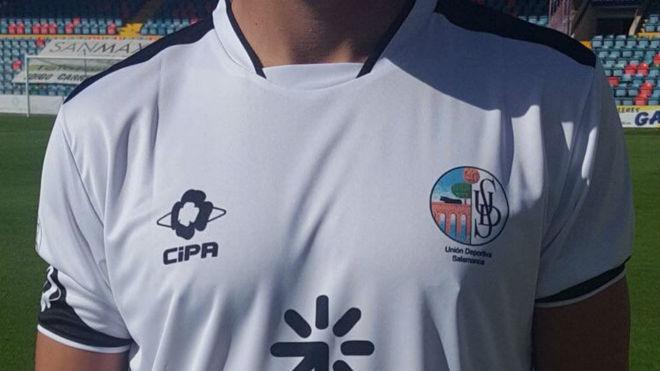 Imagen de la camiseta del Salmantino en el partido contra el Ávila.