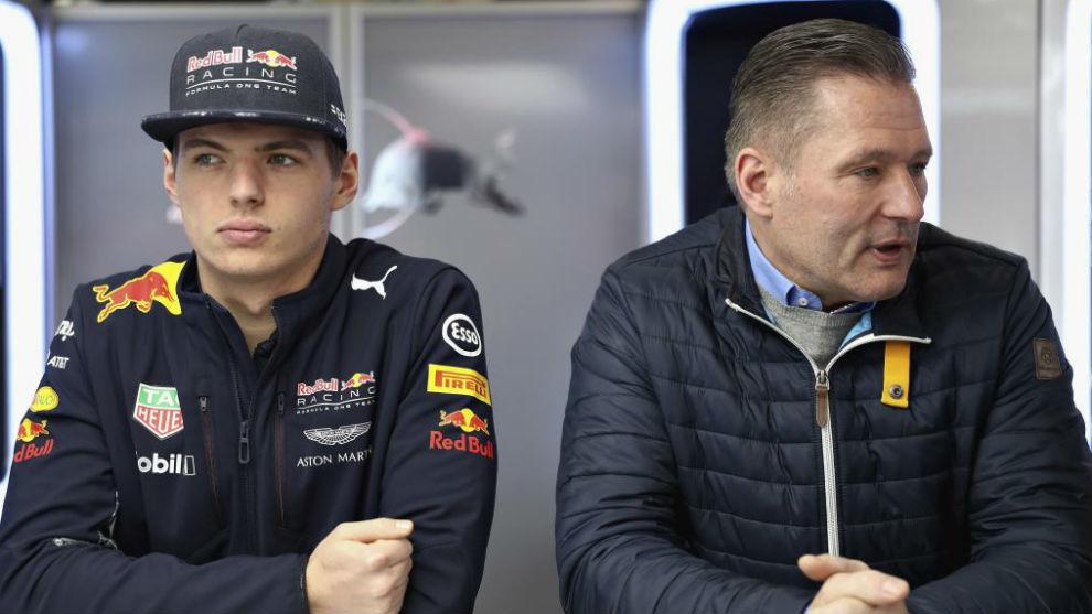 Max Verstappen, junto a su padre, Jos