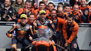 Oliveira celebra su triunfo en Australia