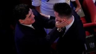 Maradona y Messi, durante la gala The Best 2017.