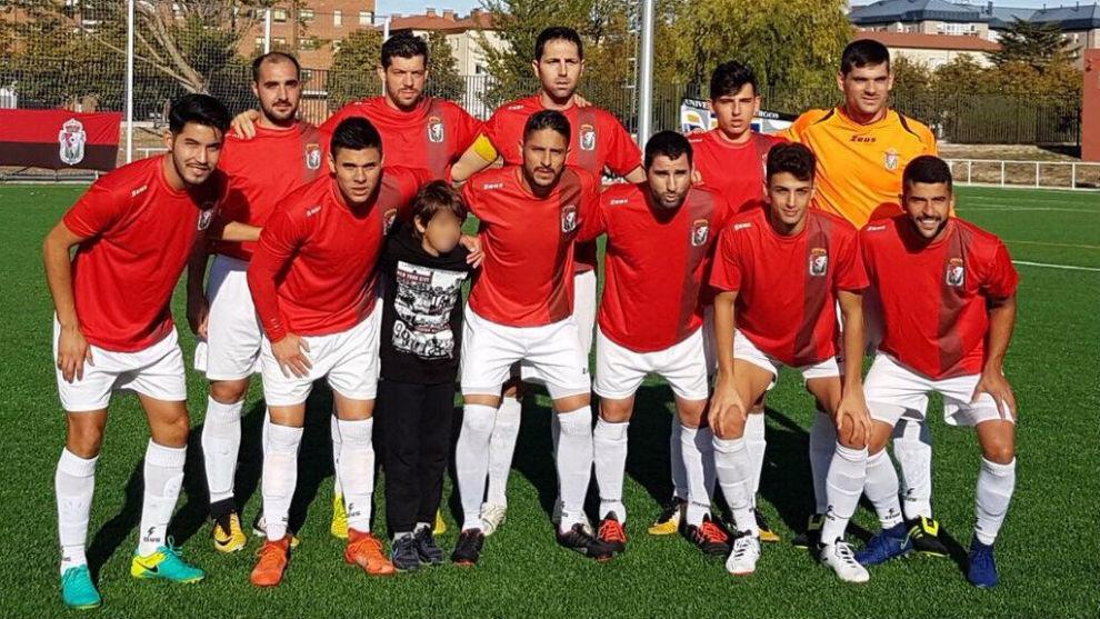 Los jugadores del Real Burgos posan antes del partido ante el Cristo...