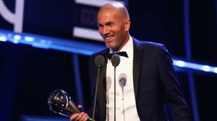 Zidane durante su discurso al recibir el premio The Best