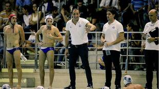 'Chava' Gómez, entrenador del Sabadell dando instrucciones...