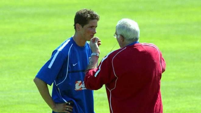 Torres reaches Luis Aragones' iconic total