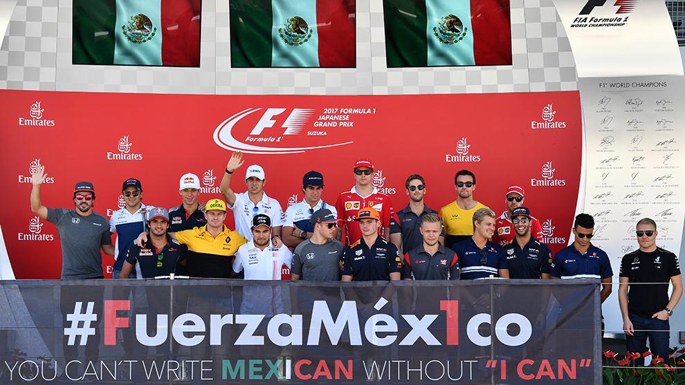 Pilotos de la Fórmula 1 posan durante el Gran Premio de Japón.