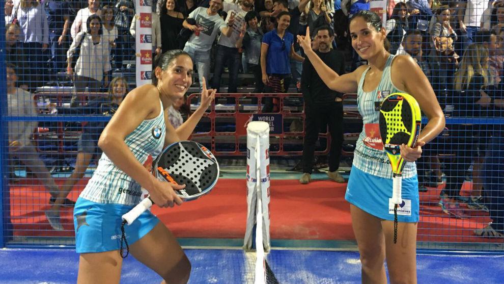 Las hermanas Sánchez Alayeto celebran su pase a cuartos.