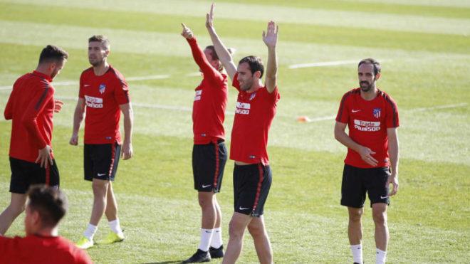 Los jugadores del Atlético en el Cerro del Espino.