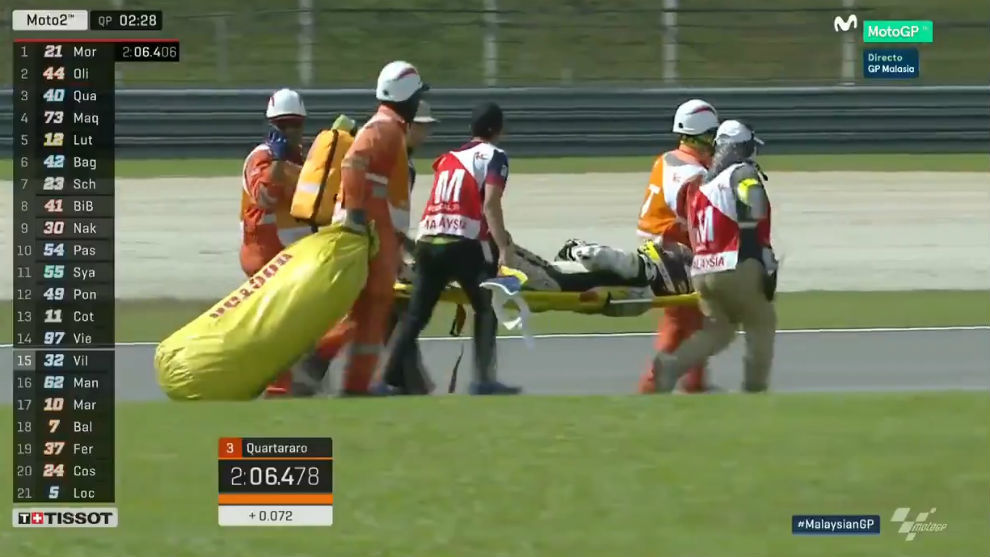 Tomas Luthi, retirado en camilla del circuito de Sepang