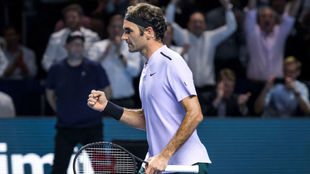 Federer celebra la victoria