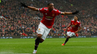 Martial celebra su gol al Tottenham.