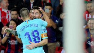 Messi y Alba festejan un gol en San Mam�s.
