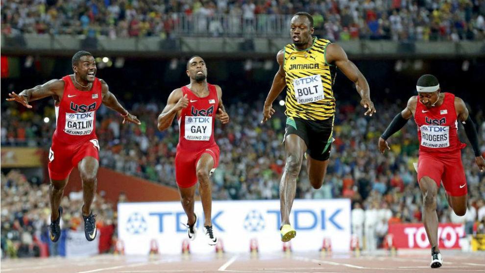Final de 100 metros en Pekín 2015 con victoria de Bolt (9.79) sobre...