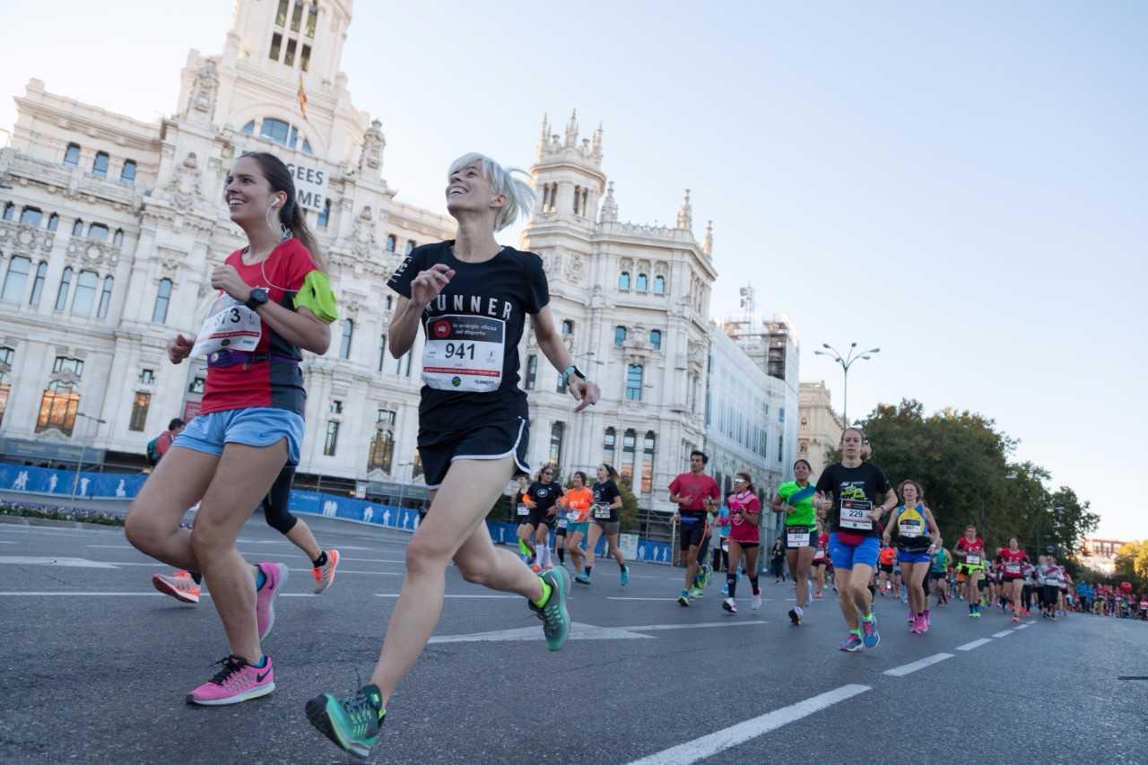 Varias corredoras durante la carrera.