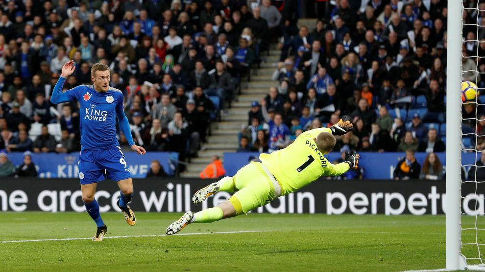 Vardy bate a Pickford para lograr el 1-0 del Leicester sobre el...