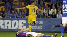�lvaro Gim�nez celebra el primer gol del Alcorc�n ante el Oviedo