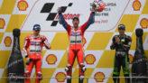 El podio d MotoGP: Dovizioso, Lorenzo y Zarco