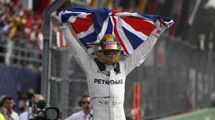 Lewis Hamilton se corona.