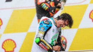 Franco Morbidelli celebra en el podio de Sepang su t�tulo de Moto2