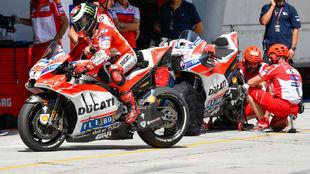 Las dos Ducati, en Sepang