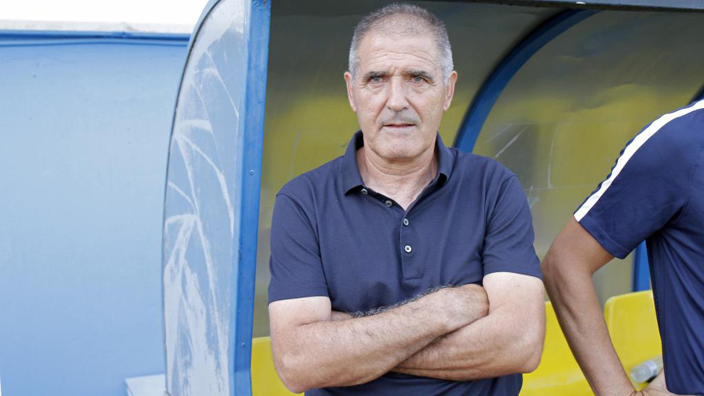 Paco Herrera (63), durante un partido del Sporting