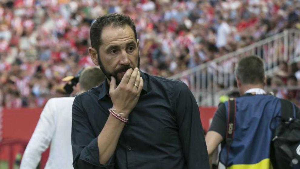 Pablo Machín, en un encuentro con el Girona.