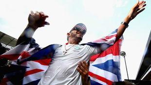 Lewis Hamilton (Mercedes) celebra su cuarto título mundial en México