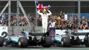 Lewis Hamilton celebra su cuarto título en México