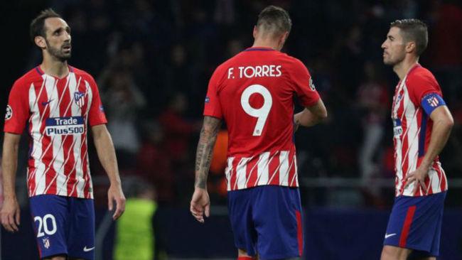 Juanfran, Torres y Gabi tras el empate ante el Qarabag.