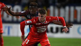 Brandon Thomas protege el esférico ante Nordi Mukiele (Montpellier).