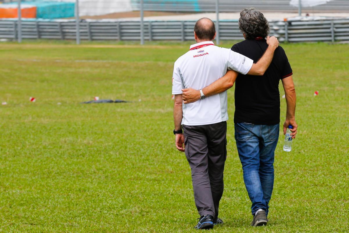 MotoGP: La familia de Marco Simoncelli recupera el guante perdido ...