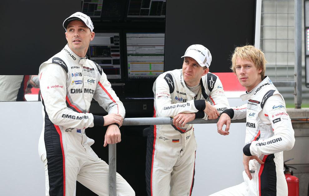Bamber, Bernhard y Hartley aspiran al campeonato.