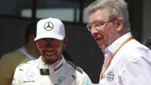 Lewis Hamilton y Ross Brawn.