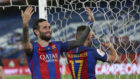 Aleix Vidal celebra la Copa del Rey.