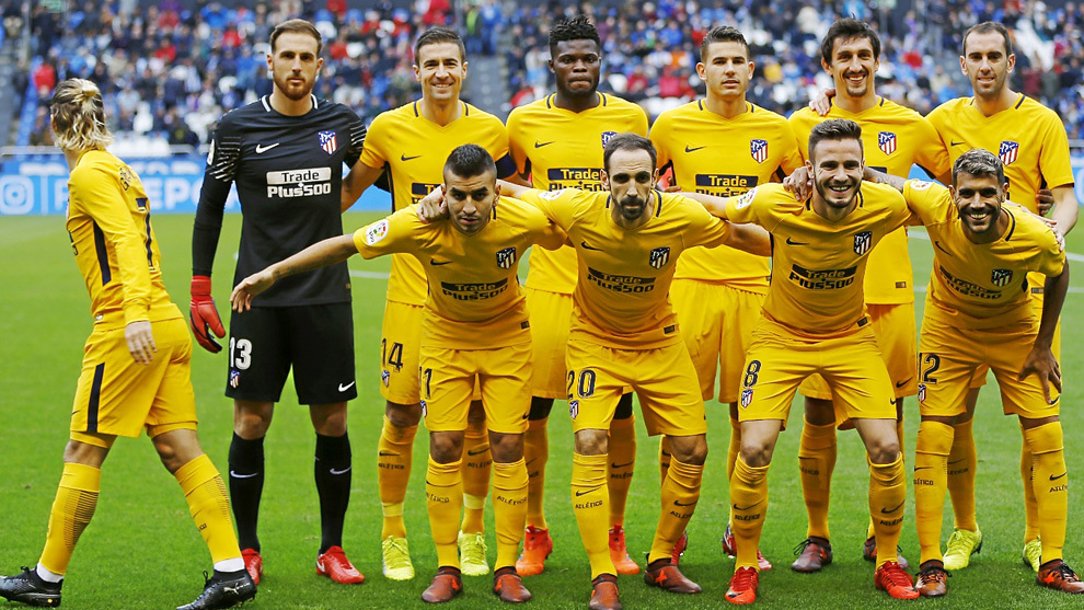 Griezmann (26) abandona el posado del Atlético de Madrid en Riazor