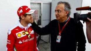 Marchionne saluda a Vettel.