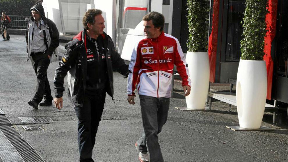 Horner y Alonso, durante el Gran Premio de B�lgica de 2013.