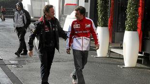 Horner y Alonso, durante el Gran Premio de Bélgica de 2013.
