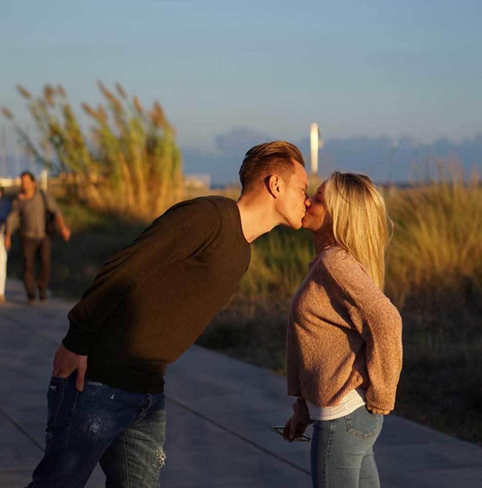 Ter Stegen besando a su esposa Daniela Jehle
