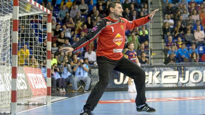 Arpad Sterbik, en un partido de la Liga de Campeones con el Vardar en...
