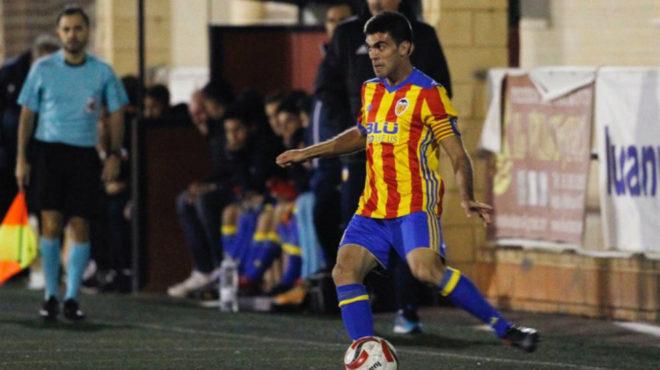Salva Ruiz durante el partido de su regreso ante el Albal.