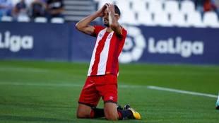 Stuani se lamenta durante un partido del Girona.