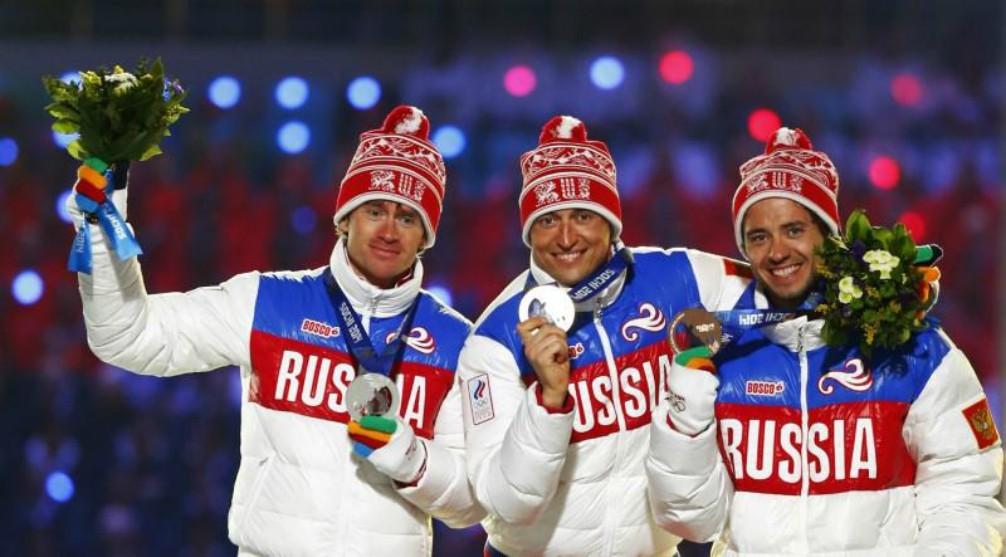 Dos de los deportistas rusos sancionados, Legkov y Vylegzhanin, en...